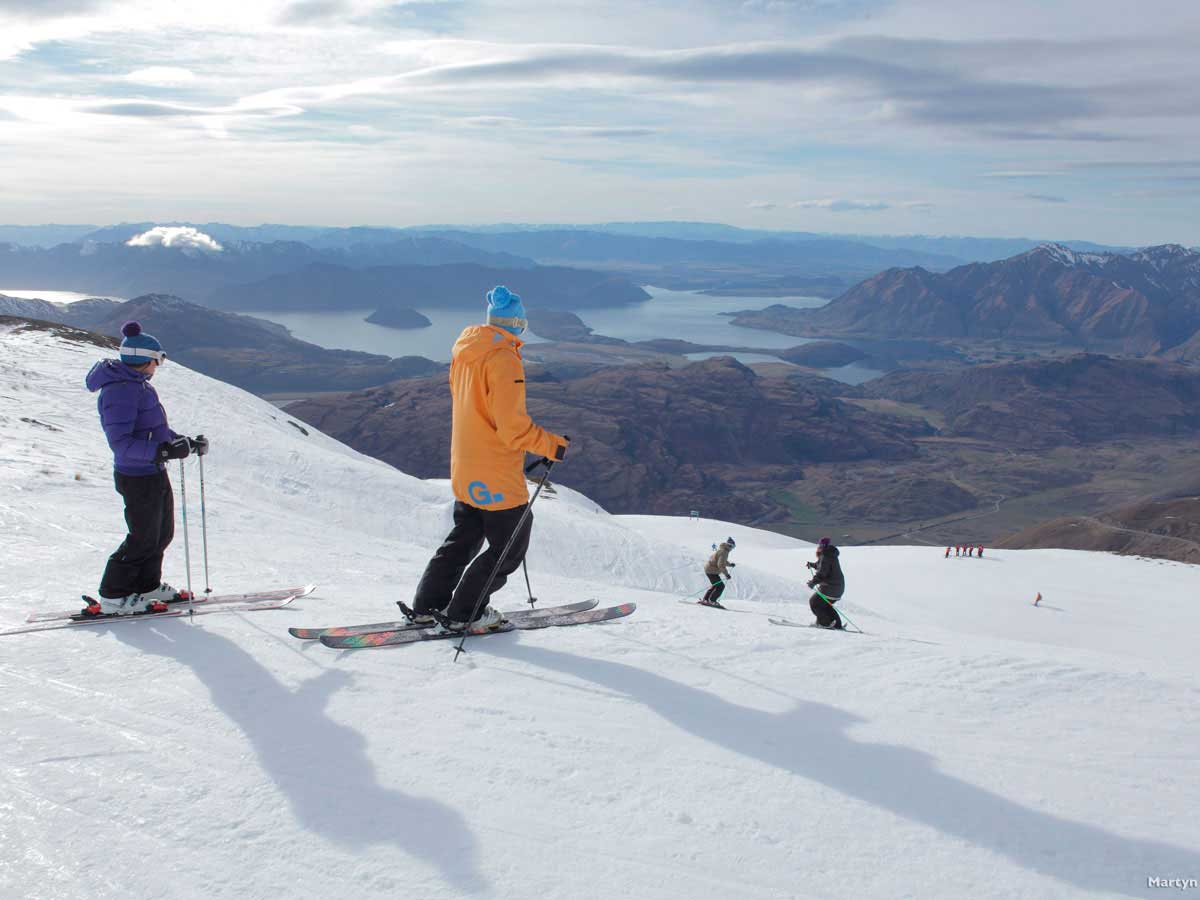 10 Day Wanaka Learn to Ski Package  incl beginner lessons