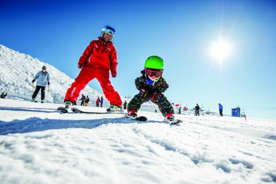 Kids' ski lessons at Cardrona Alpine Resort